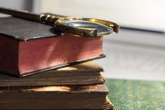ornamentu geometryczne tła księgi stary rocznik kosmos kopii fotografia stock