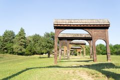 Ornated και διαμορφωμένες ξύλινες πύλες Székely Στοκ Εικόνες