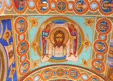 Ornated Dachinnenraum der alten orthodoxen Kirche Lizenzfreies Stockfoto