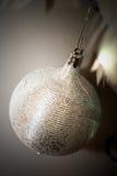 Ornement argenté d'arbre de Noël Photo stock