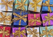Ornements de cadeau de Noël Photographie stock libre de droits