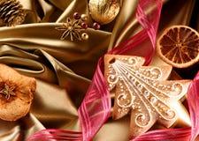 Ornements de Noël avec le pain d'épice Photos stock