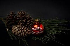 Ornements de Noël billes Jouets Le père noël ; Bougies ; Cadeaux ; Photos stock