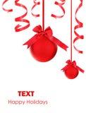 Ornements rouges d'arbre de Noël de babioles Photos libres de droits