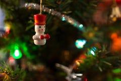 Ornements sur l'arbre de Noël Images stock