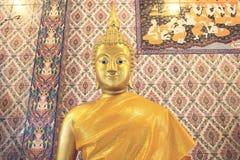 Oro Buddha Fotos de archivo