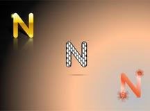 Oro, colori in bianco e nero e arancio con la lettera N Immagine Stock