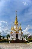Oro con la pagoda bianca Fotografia Stock