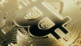 Oro Crypto Bitcoin - BTC de la moneda - moneda del pedazo Monedas crypto de Bitcoin de la moneda de los tiros macros que giran metrajes