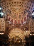 Oro de la basílica de la catedral Fotos de archivo