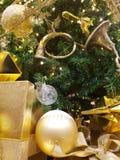 Oro del Año Nuevo del árbol de navidad Imagenes de archivo