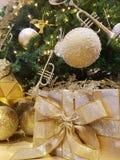 Oro del nuovo anno dell'albero di Natale Fotografia Stock Libera da Diritti