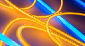 Oro di forma del cerchio della lampada al neon e colore blu illustrazione vettoriale