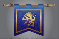 Bandiera medievale con l'emblema del drago Fotografie Stock Libere da Diritti