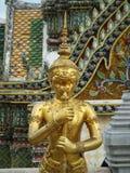 Oro Eagle Sculptures al grande palazzo Fotografia Stock