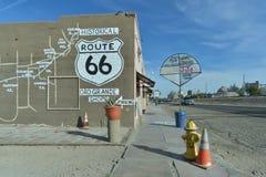 Oro grand, la Californie, Etats-Unis, le 17 avril 2017 : Vue de la carte de Route 66 sur des bâtiments sur la station antique, su photo stock