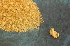 Oro naturale del giacimento detritico Fotografie Stock