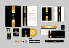 Oro, negro y plantilla de plata de la identidad corporativa para su negocio 1 Fotos de archivo libres de regalías