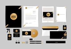 Oro, negro y plantilla de plata de la identidad corporativa para su negocio 8 Imágenes de archivo libres de regalías