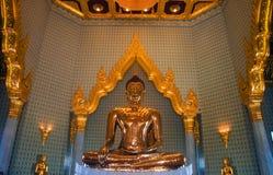 Oro puro Buda Imágenes de archivo libres de regalías