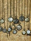 Orologi da tasca sulle catene d'ottone Fotografia Stock Libera da Diritti