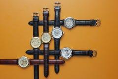 Orologi del cuoio per l'uomo Fotografia Stock Libera da Diritti