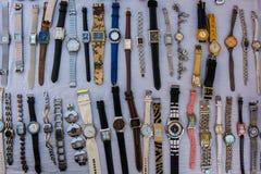 Orologi del polso da vendere immagini stock