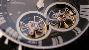 Orologi di pendolo video d archivio