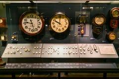 orologi ed orologi visualizzati nella galleria giapponese del museo nazionale Immagine Stock Libera da Diritti