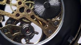 Orologi trasparenti del meccanismo dell'orologio video d archivio