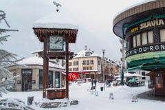 Orologio al quadrato a Chamonix-Mont-Blanc Immagine Stock Libera da Diritti