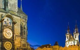 Orologio & chiesa astronomici di Tyn Fotografia Stock