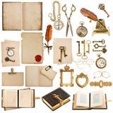 Orologio antico, chiave, carte, libri, strutture Immagine Stock