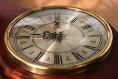 Orologio antico con i numeri romani Fotografie Stock Libere da Diritti
