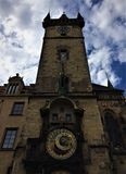 Orologio astronomico famoso a Praga, repubblica Ceca immagine stock libera da diritti