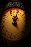 Orologio che mostra tempo circa dodici Fotografia Stock