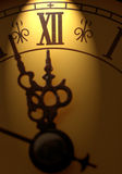 Orologio che mostra tempo circa dodici Fotografie Stock Libere da Diritti