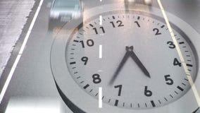 Orologio che ticchetta sopra il traffico sulla strada illustrazione vettoriale