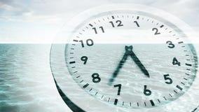 Orologio che ticchetta sopra l'animazione del mare stock footage