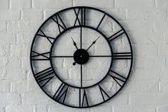 Orologio d'annata con il numero romano fotografie stock libere da diritti