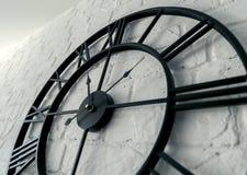 Orologio d'annata con il numero romano immagini stock