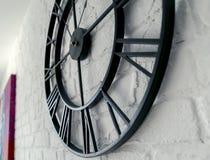 Orologio d'annata con il numero romano immagini stock libere da diritti