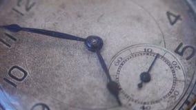 Orologio da tasca d'annata stock footage