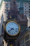 Orologio davanti alla torre di Trump Fotografie Stock