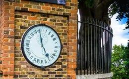 Orologio del portone del pastore all'osservatorio di Greenwich reale fotografia stock libera da diritti
