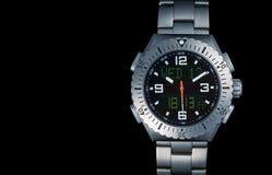 Orologio del ` s degli uomini con la cinghia di titanio fotografia stock