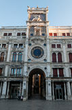 ` Orologio Dell Torre на аркаде Сан Marco Стоковое Фото