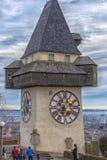 Orologio della città conosciuto come Urhturm, sistemato sulla cima della collina Schl Fotografie Stock