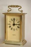 Orologio della Tabella, mostrante tre in punto, vista del primo piano Fotografia Stock