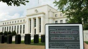 Orologio di debito e la costruzione di riserva federale video d archivio